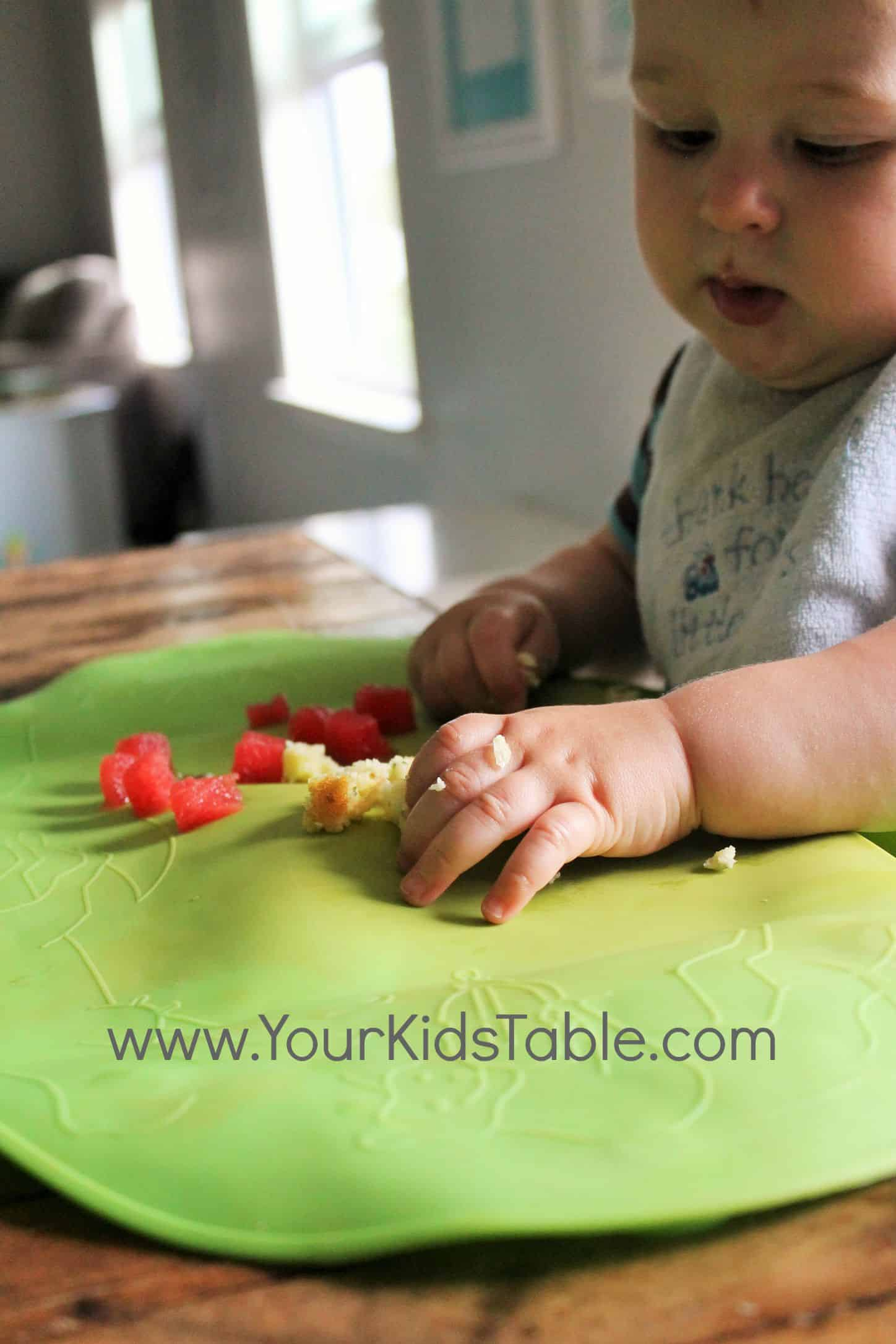 Food for 8 month old baby apple