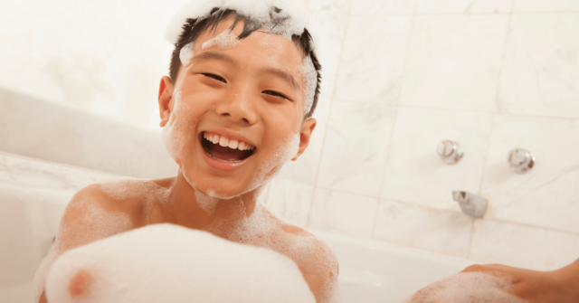 Do you dread washing your kid's hair because they hate it so much and often throw a total fit at any attempt to do so? Check out these simple solutions while understanding why the heck they can't stand it anyways.