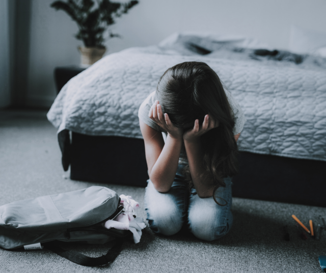 Could your child be anxious? Here are 5 signs of anxiety in children from an expert, to make sure you don't miss them, and then what the next steps are that you can take to help your anxious child.