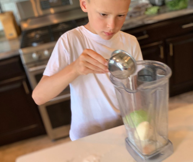 Worried about your child's weight? Try this easy and healthy high calorie weight gain smoothie recipe that's specifically designed in kids. No fake ingredients, and tips to get picky eaters gobbling it up!