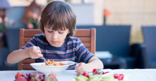 It can be a serious stressor when your child will only eat if they're distracted by a screen! There's a way to help them learn how to eat without any screens, try these 3 tricks today...